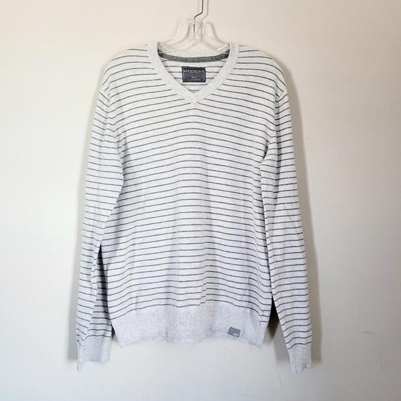 Aeropostale Sweater v-neck stripe